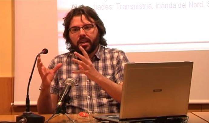 David Forniès, responsable de l'Àrea de Coneixement del CIEMEN. Font: Youtube