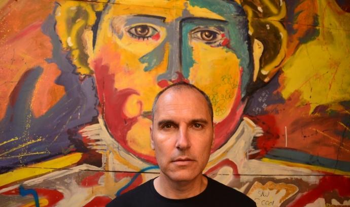 David Marqués és un reconegut director i guionista en tot el territori espanyol. Ha escrit i dirigit títols com 'Dioses y perros'o 'El Club del Paro'. Font: David Marqués.