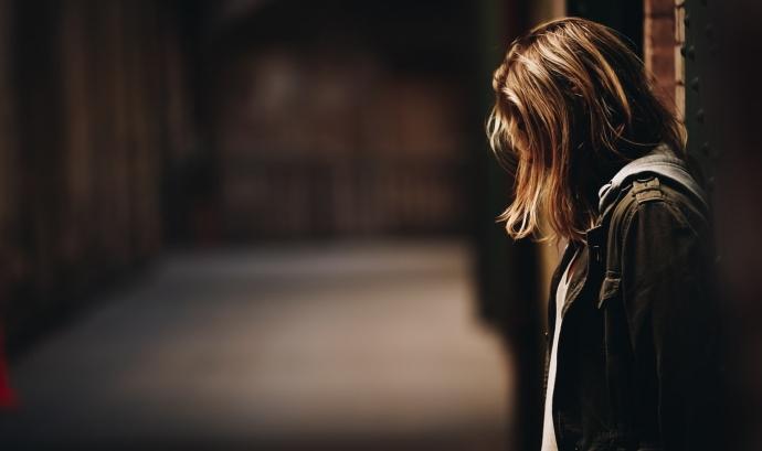 Cada any, es suïciden 800.000 persones arreu del món. Font: Unsplash. Font: Font: Unsplash.