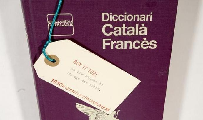 Diccionari Català - Francès. Font: 1010ways (flickr.com) Font: