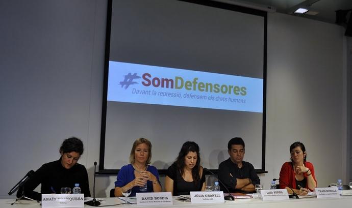 Membres de Som Defensores durant l'acte de presentació el 22 de setembre Font: Irídia - Joana Voisin