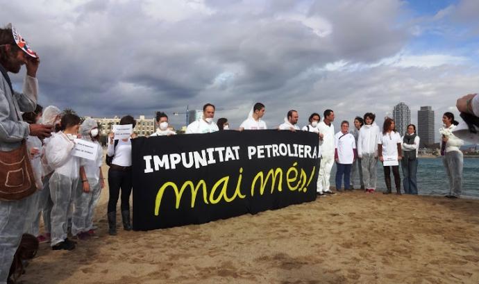Concentració-denúncia Aniversari Prestige (Barceloneta) Font: