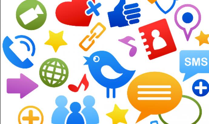 20 Eines per millorar la comunicació 2.0 de la teva entitat Font: