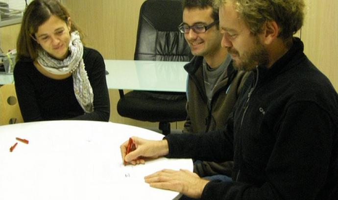 Elaboració de projectes. Font: puntCAT (Flickr) Font: