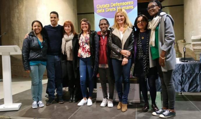 les sis persones activistes que participen en la VII edició de Ciutats Defensores dels Drets Humans Font: Rubi.cat