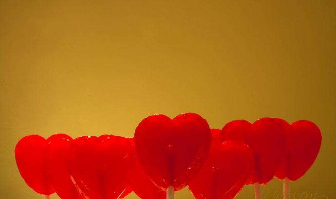 Piruletes en forma de cor. Emocions_Mae Wom_Flickr