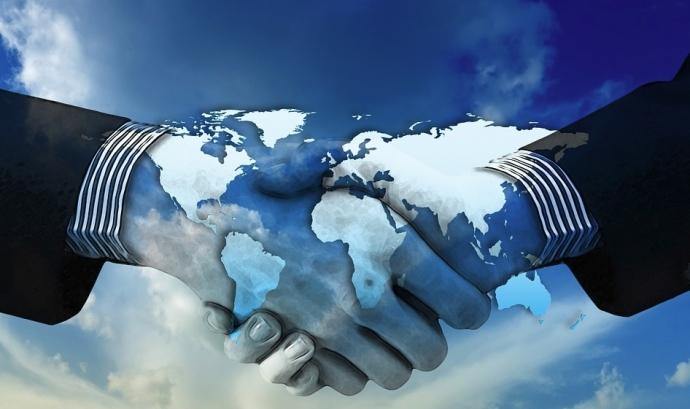 Quina és la relació entre les empreses i el respecte als drets humans? Font: Max Pixel