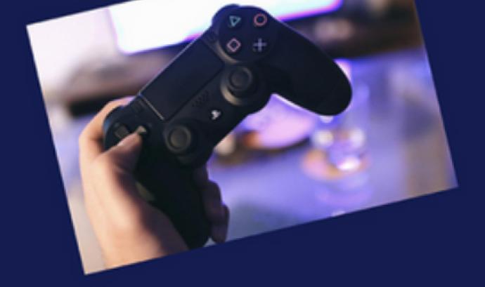 Videojocs i Internet en femení