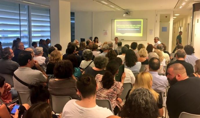 La taula-debat es va fer al Centre Cultural El Carme Font: Fundació Acollida i Esperança