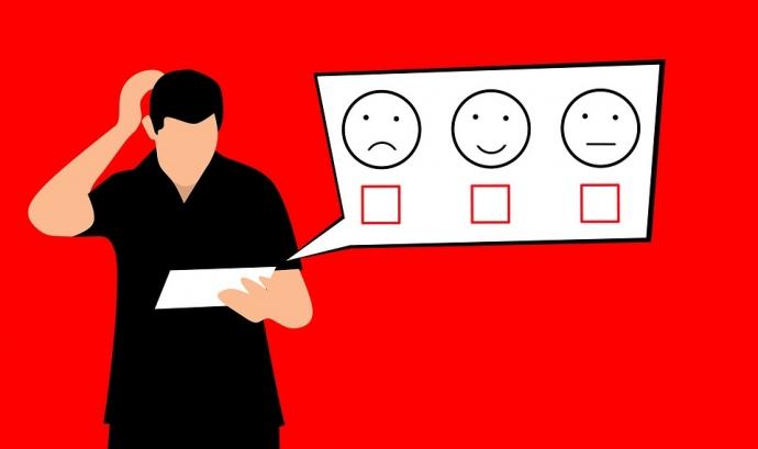 Il·lustració d'una persona responent una enquesta amb una tauleta tàctil
