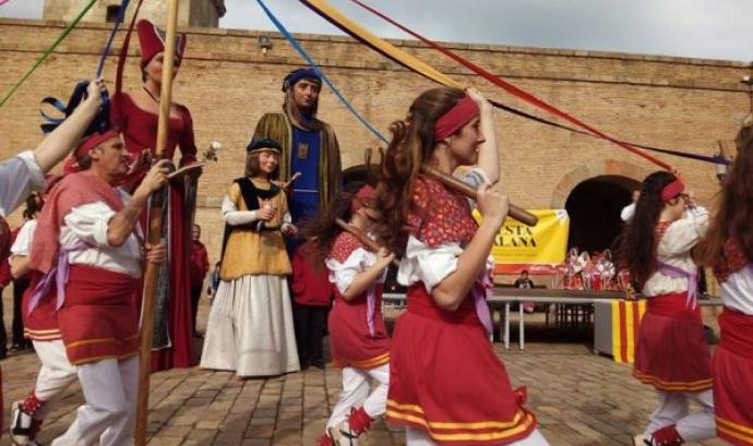 Festa Catalana al Castell de Montjuïc 2015 (font: Adifolk) Font:
