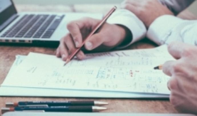 L'objectiu del curs és conèixer les obligacions generals derivades de l'exercici del càrrec de patró d'una fundació. Font: Unsplash.