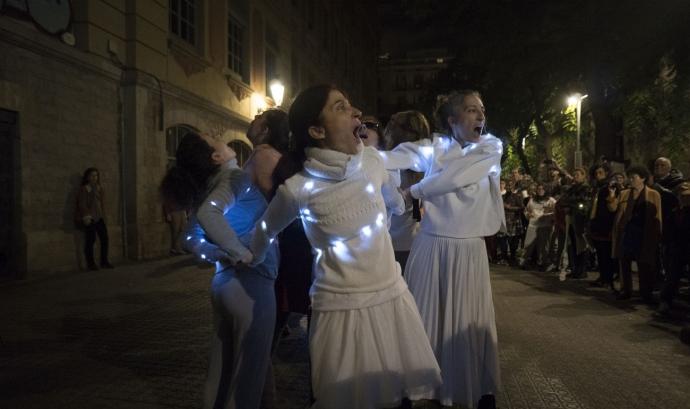 ARTiPART és un programa de creació artística comunitària als barris de l'ICUB