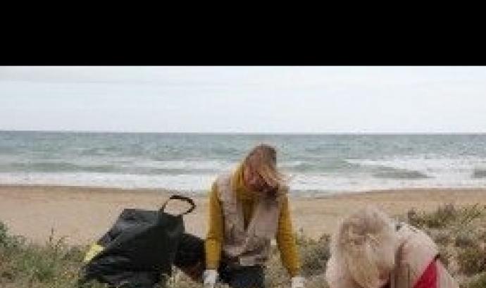 Acció de voluntariat a les dunes de Creixell amb el Gepec ( imatge:gepec.cat)