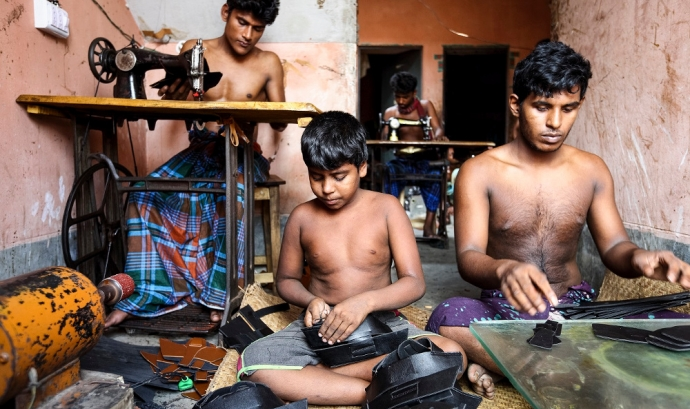 Treballadors del cuir a Bangladesh.