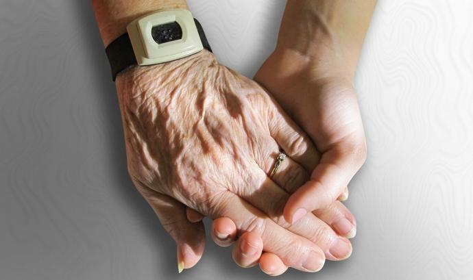 Dues mans agafades. Pixabay