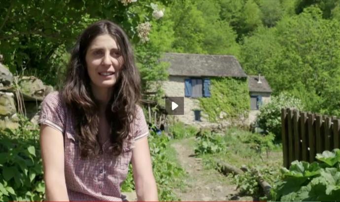 Vanesa Freixa, impulsora de l'Associació Rurbans (imatge: fotograma de Viure als Pirineus, ccma.cat) Font: