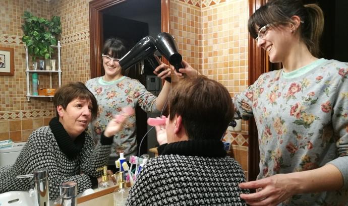 Ana Jornet amb la seva assistent personal Font: Colectic