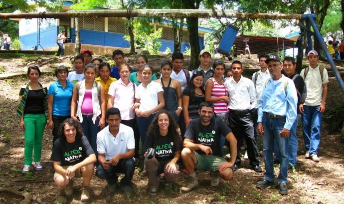 Beques per a joves de Cecocafen, Nicaragua.