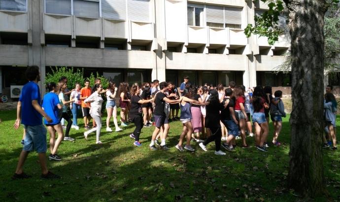 Activitat de benvinguda al Campus Ítaca 2017 Font: Fundació Autònoma Solidària