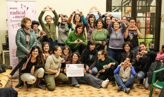 Photocall en suport a les Jornades Radicalment Feministes 2016. Font:
