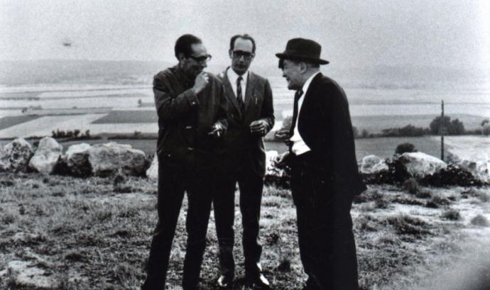 Miguel Delibes i Josep Pla a Pals. Font: Fundació Josep Pla, col. Josep Vergés