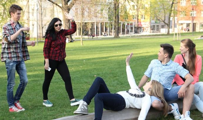 'Pren-los' treballa de manera participativa amb joves en la defensa dels seus drets sexuals i reproductius. Font: Max Pixel