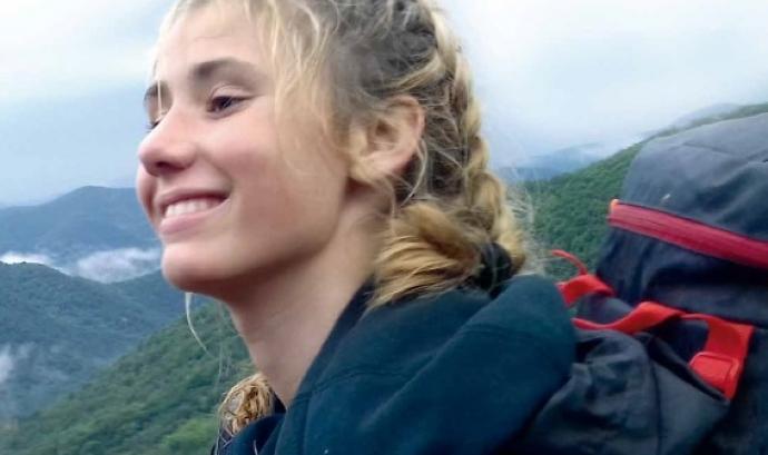 Lara Blasco, de 14 anys, ha participat en l'edició de l'any passat dels campaments de voluntariat ambiental de Fundesplai. Font: Fundesplai. Font: Fundesplai