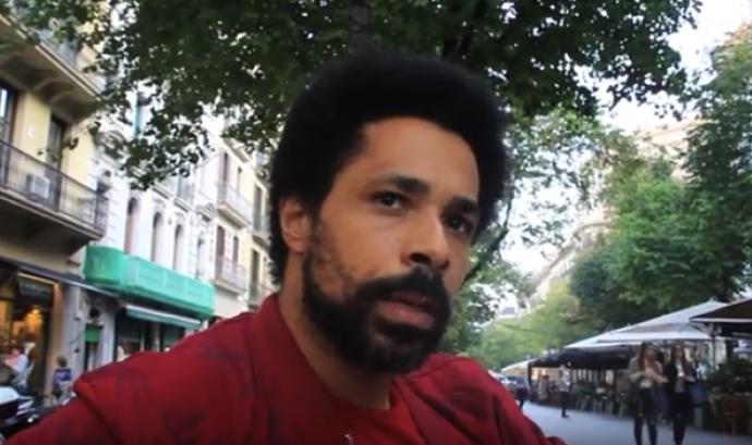 Ayza denuncia identificacions policials de caràcter racista. Font: SOS Racisme