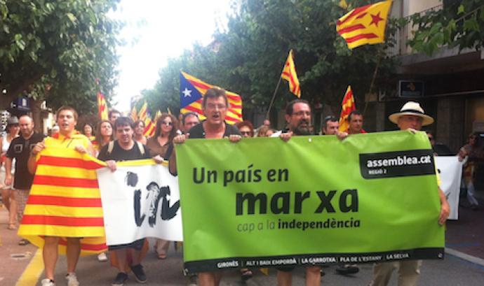 """La """"Marxa cap a la independència"""" a la Jonquera. Foto: Llibertat.cat Font:"""