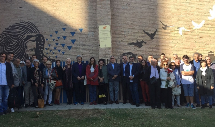 El president de l'Amical, Enric Garriga, i l'alcaldessa colomenca, Núria Parlón, presideixen una de les trobades a Torredembarra