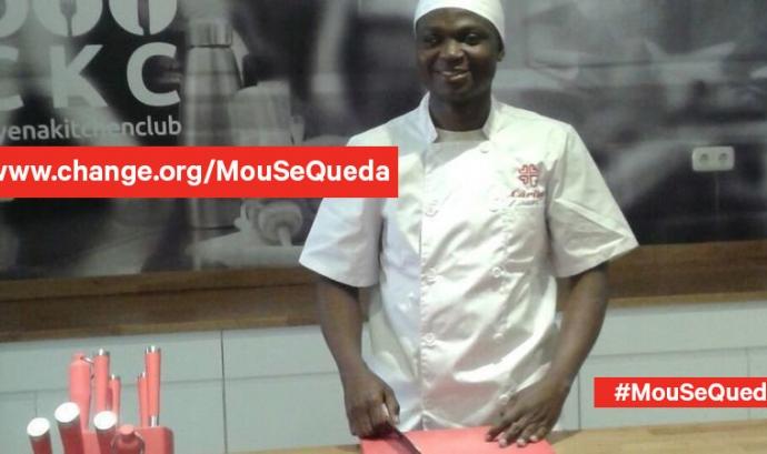 Imatge de Moumine Kone vestit de cuiner
