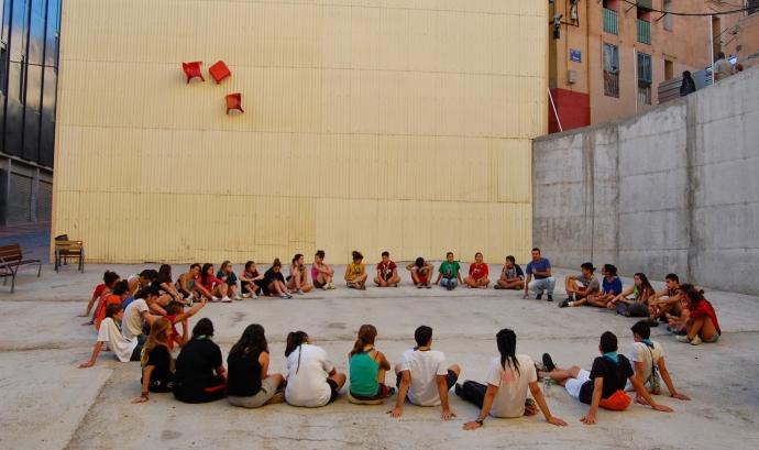 La Murga és una experiència d'aprenentatge i servei que consisteix en crear un espai de convivència i cooperació entre joves escoltes i persones en risc d'exclusió social.