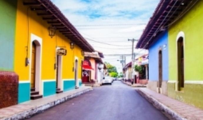 L'objectiu de la sessió és explicar la situació actual a Nicaragua i les demandes dels moviments  socials i la ciutadania enfront del govern dels Ortega-Murillo. Font: Unsplash.
