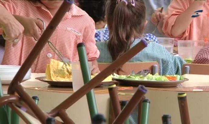 Imatge d'un menjador escolar. Font: web canalblau.cat Font: