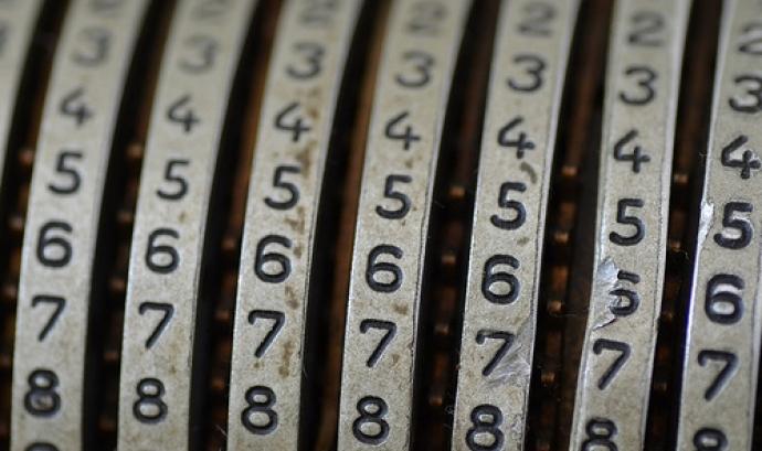 """Números de """"e y e s e e"""" a Flickr Font:"""