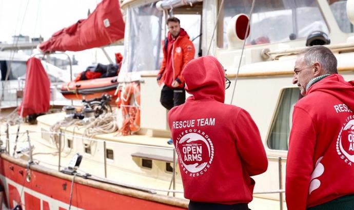 Personal de rescat de l'Open Arms al vaixell