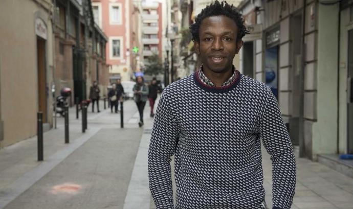 Ousman Umar és la veu dels milers de persones immigrants que moren al Mediterrani per arribar a Europa. Font: El Periódico