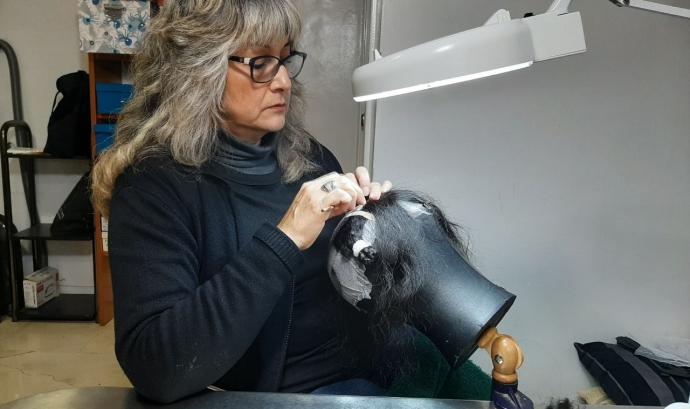 L'equip Jessus bordant perrques per l'associació Marinada Font: Marta Rius