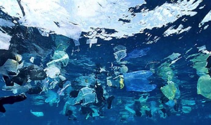 contaminación fons marí