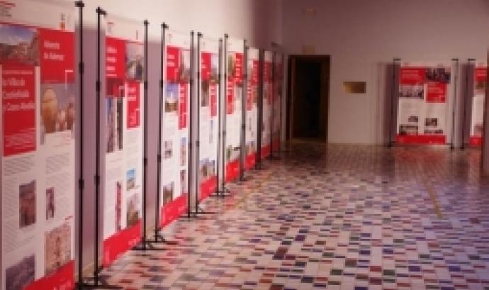 L'exposició 'Patrimoni contra les cordes' es podrà visitar fins al 18 de maig al Campus Terres de l'Ebre de la Universitat Rovira Virgili.