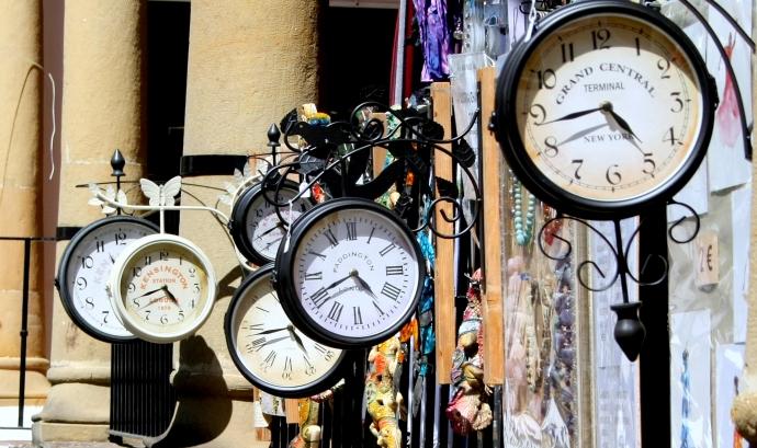 Rellotges a la paret