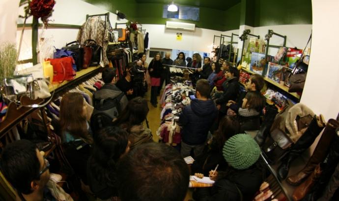 Visita a una botiga durant la ruta Pam a Pam per Ciutat Vella. Foto: Pam a Pam