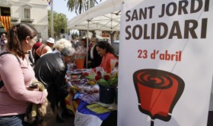 Sant Jordi Solidari a Sant Boi. Font: www.barrejant.cat Font:
