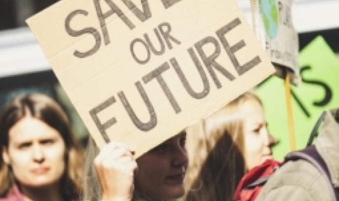 L'informe proposa orientacions i recomanacions operatives que permetran integrar la sostenibilitat ambiental en la política de cooperació al desenvolupament. Font: Unsplash.