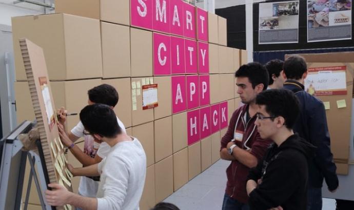 La final del Smart City App Hack es celebrarà el mes d'octubre!