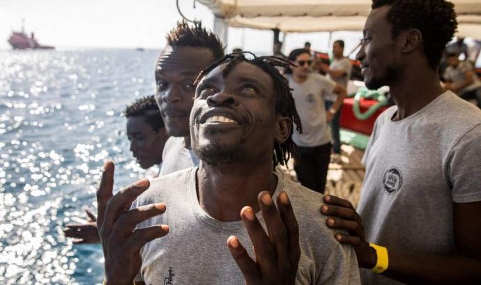 Migrants esperançats arriben a Europa després de Líbia