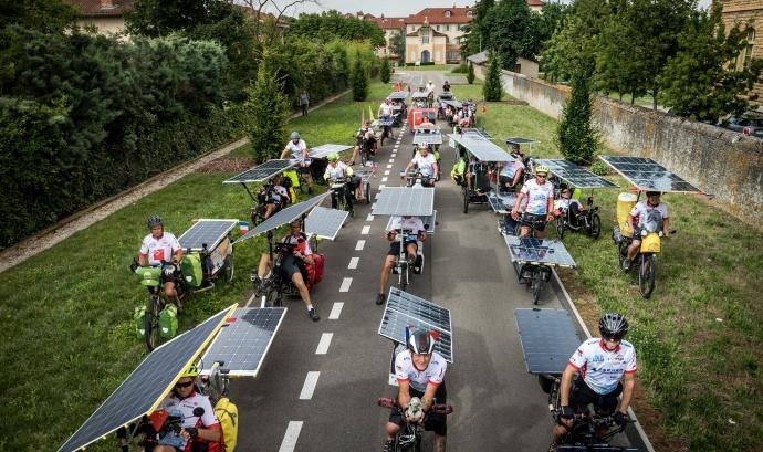 'The Sun Trip' recorre Europa per generar debat sobre el futur de la mobilitat sostenible.  Font: The Sun Trip