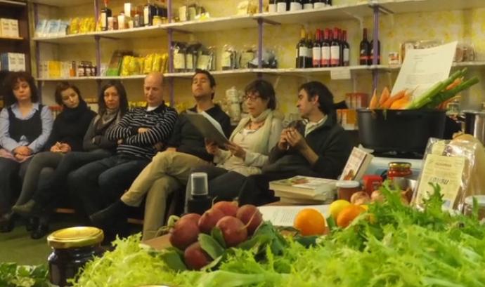 Taller a la Cooperativa Cydonia sobre alimentació ecològica. Font: Cydonia Font: