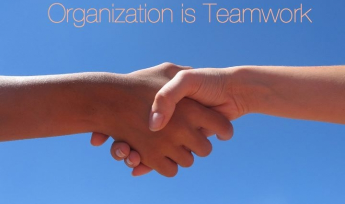 Teamwork. Font: Twentyfour Students (Flickr) Font: